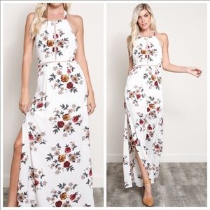 Dresses & Skirts - 💋Cream Floral Boho halter maxi dress💋